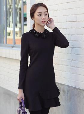 裾フリルウールワンピース(ネックレスカラー)