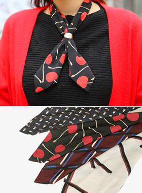 プチスカーフネックレス