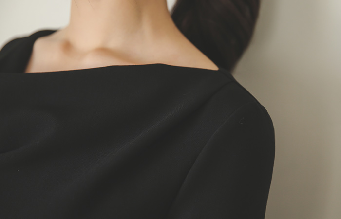 カウルネックドレープドレス