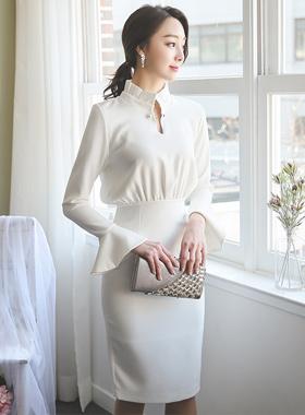 プレミアパールピンプリーツネックドレス