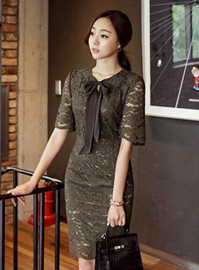 リボン飾りレイスドレス