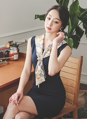 ラグジュアリーショルダーラップスカーフドレス