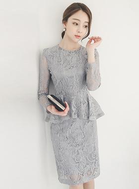 エレガンスレイスフェプラムドレス