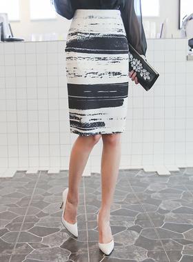 ブラシスケッチスカート