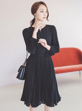 ラグジュアリーパールボタンプリッツドレス