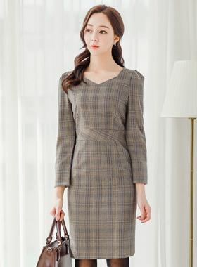 ダイヤネックモノフレンチチェックドレス