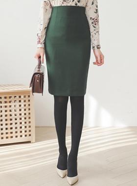 ベーシックオビHラインのMIDIスカート