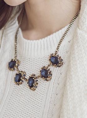青色プロサムネックレス