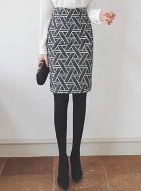 ジグザグスティックパタンHラインミディスカート